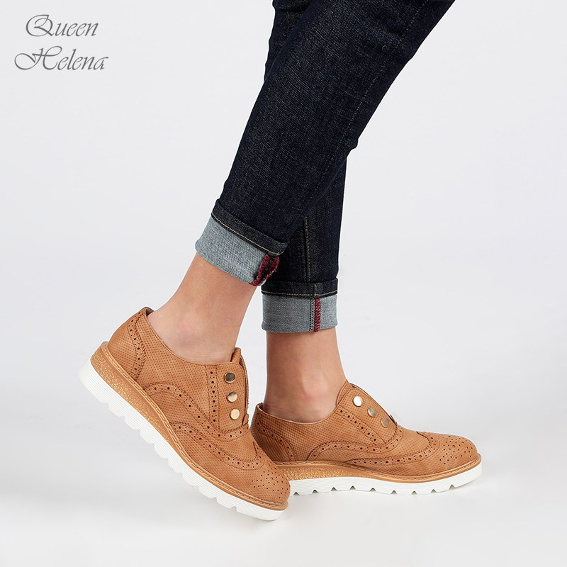 PU Rivet Casual Shoes