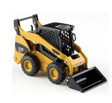 цена на Collection Diecast 1/32 Scale Street Forklift Truck Skid Steer Loader Vehicles Toys 55167 Engineering Vehicles Model