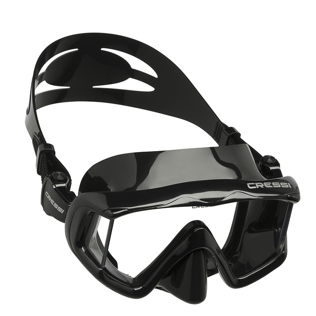 Cressi PANO3 Snorkeling Scuba Diving Mask Silicone Skirt Three-Lens Panoramic Dive Mask for Adults