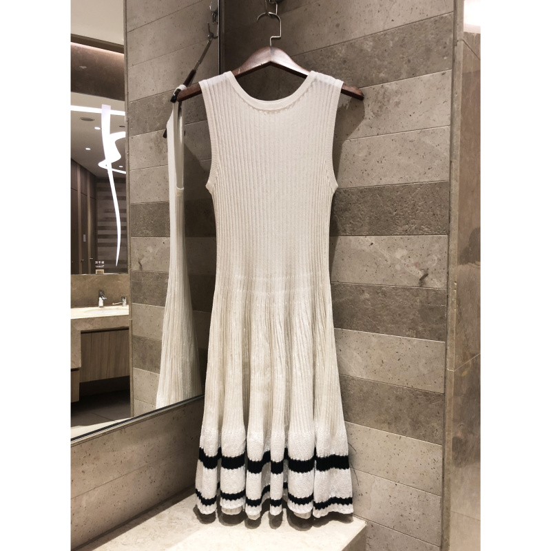 Retro women s sleeveless round neck dress A wordcasual women s spring and summer models High
