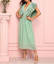 цена на Scallop Slim  Evening Long Dress 2019 New Summer Scallop Slim Deep V Backless Dress Ladies Elegant Solid Yellow Green Vestidos