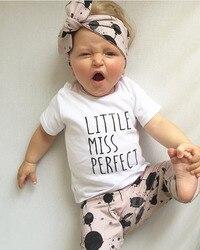 Sommer kind baby mädchen kleidung baumwolle buchstaben gedruckt t-shirt + hosen + stirnband kleinkind 3 stücke outfit neugeborenen baby mädchen kleidung