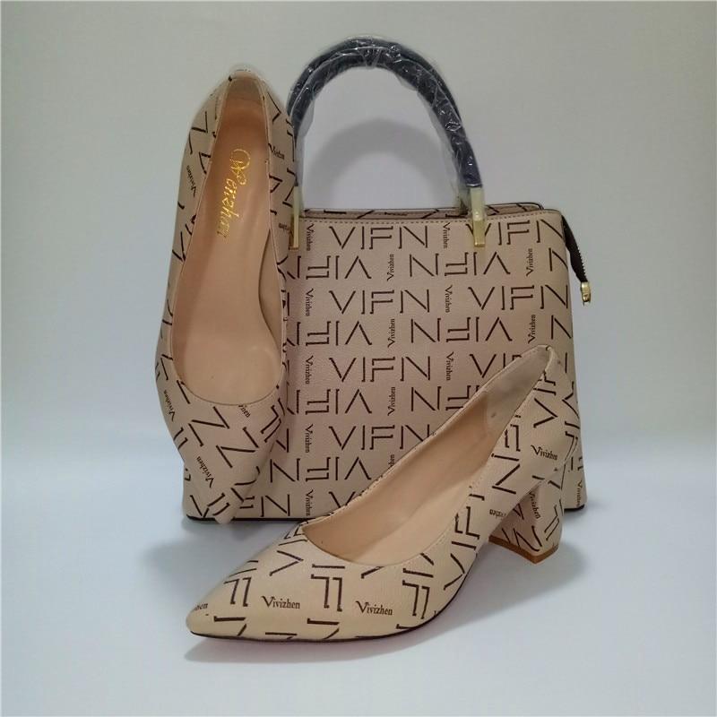 WENZHAN 2019Top Qualität Weiche Schuhe Customed Ferse Büro Dame Schuhe Spiel Gut Mode Medium Handtasche Sets Fabrik Direkt A93 8-in Damenpumps aus Schuhe bei  Gruppe 2
