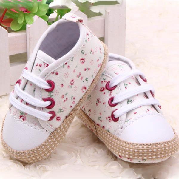 Retail Wholesales Newborn To 12 Months Toddler Baby Girl  Floral Print Soft Sole Shoes Sneakers