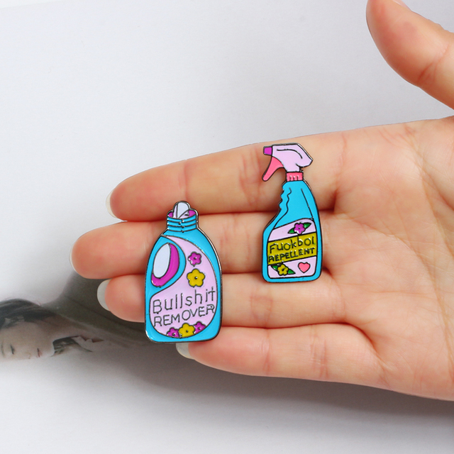 Funny fashion lapel Pins brooches Bullshit remover repellent cleaning sweater jackets badge jewelry Enamel pins kids women gift