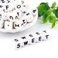 ¡TYRY! HU 100 pc silicona letras inglés alfabeto cuentas 12mm bebé dentición collar accesorios grado alimenticio silicona libre de BPA