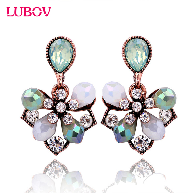 1 Pair Gorgeous Elegant Flower Petals Stud Earrings Fashion Women Rhinestone Ear
