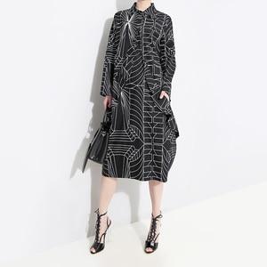 Image 2 - 2020 Korean Style Women Loose Plus Size Black Shirt Dress Long Sleeve Striped Printed Ladies Casual Midi Party Dresses Robe 4703