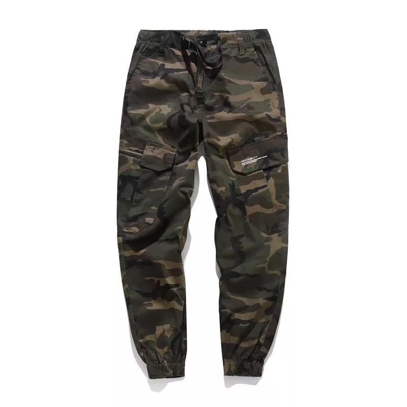 c2f9b5771d 2018 moda Pantalones vaqueros de hombre de calle alta Casual Cargo  pantalones camuflaje ejército diseño de