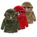 Бесплатная доставка 2015 новых осенью верхняя одежда девочка мальчик унисекс дети плащ однобортный с крышкой зеленый красный цвет хаки