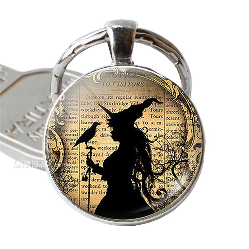 Fashion Witch Raven Pendant Keychain Silver Glass Dome Alloy Key Chain Ring Halloween Jewelry Bag Decor For Men Women Gift