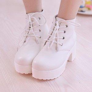 Image 3 - YEELOCA 2019 المرأة الأحذية واحدة جديدة أحذية الخيل كعب مربع جولة تو الربيع أحذية عالية الكعب الدانتيل متابعة حجم كبير 35 45