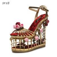 Sfzb замшевые кожаные сандалии ручной работы женские туфли высокого качества Летняя обувь на высоком каблуке и на танкетке цветок Размеры 33 39