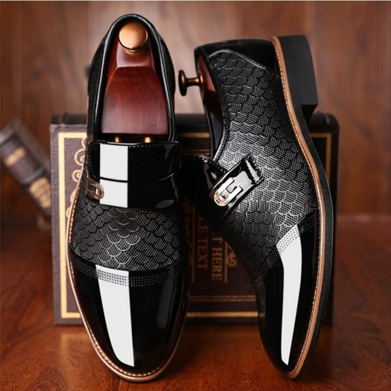 Size 38 48 Men 39 s Patent Leather Dress Shoes Crocodile Embossed PU Leather Fashion Men Shoes Male Business Wedding Brogue Shoes in Formal Shoes from Shoes