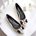 Zapatos de primavera Rhinestone mujeres 2016 nueva moda mujeres zapatos planos más el tamaño 40-45 diamante del cuero de patente pisos Mocasines Mujer