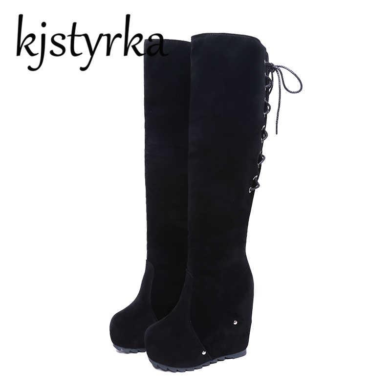 Kjstyrka Slim รองเท้าเซ็กซี่ใกล้เข่ารองเท้าบูทสูง cross - band เข่ารองเท้าบูทสูงความสูงเพิ่ม 11 เซนติเมตร Wedges รองเท้า