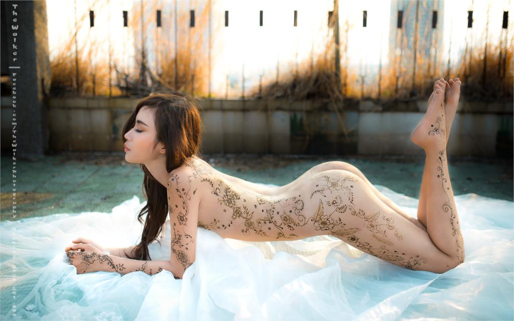 <font><b>asian</b></font> oriental girl posture tattoo body legs black long hair <font><b>Home</b></font> <font><b>Decoration</b></font> Canvas Poster