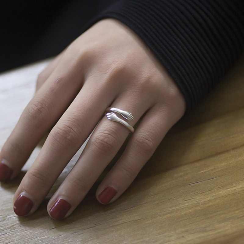 Mode Warme Knuffel Hand Vorm Eenvoudige Manchet Ring Liefde Knuffel Paar Open Ring Ring Herdenkingsmunt Sieraden