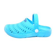 купить New Women Summer Hole Shoes Couple Wear Dual-use Slippers Slip on Casual Garden Clogs Flat Baotou Women Sandals Beach Shoes по цене 716.06 рублей