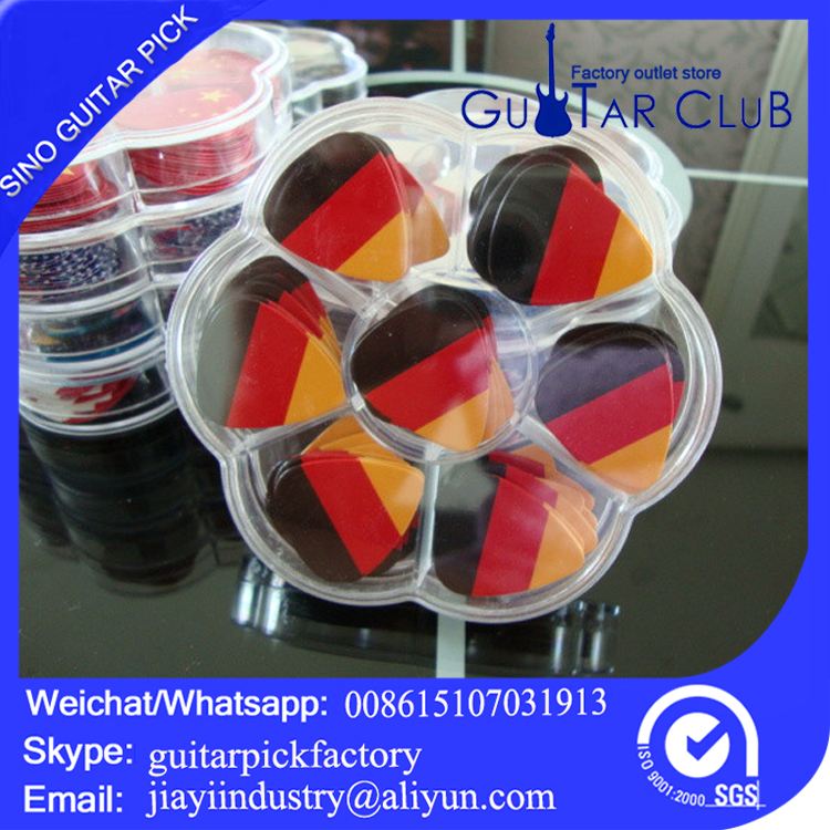 Plum flower box 100 pieces in guitar pick material thickness of the tablets can be chosen