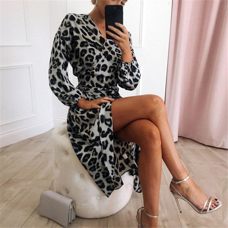 Aachoae Leopard Dress 2020 Women Vintage Long Beach Dress Loose Long Sleeve V-neck A-line Sexy Party Dress Vestidos de fiesta 2