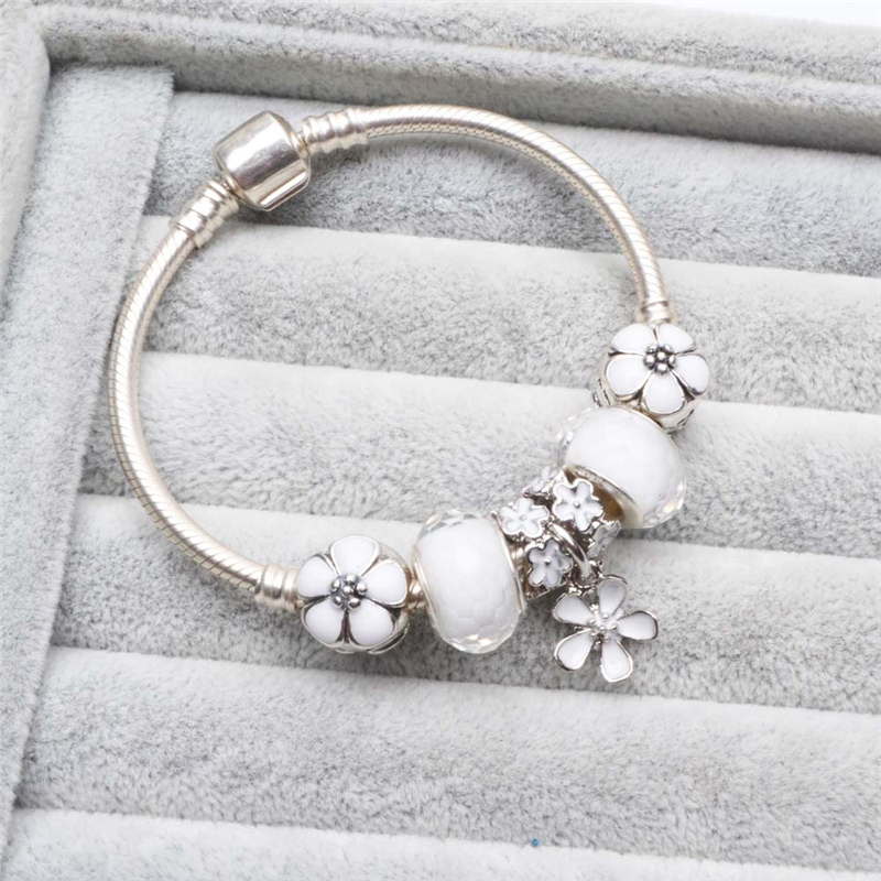Vogue Bracelets Charms White Flower Beads Fits European Bracelets DIY European Romantic Gift With Free Bag High Quality 16-21cm
