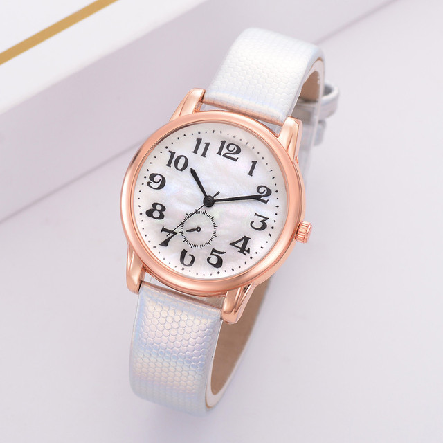 Fashion Retro Peacock Women Bracelet Watches Sapphire Leather Band Quartz Wrist
