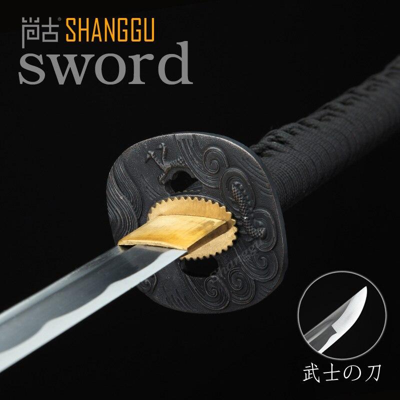 Ostrý černý drak ve tvaru vlnitého vzoru krvavý samurajský meč - Dekorace interiéru