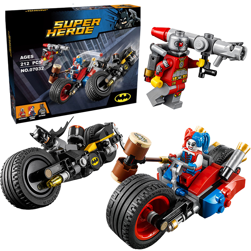Lepin 07032 Super Heroes Batman Gotham City Cycle Chase building Blocks Bricks Toys Set Boy Game Compatible with Decool 76053 lepin 02012 city deepwater exploration vessel 60095 building blocks policeman toys children compatible with lego gift kid sets