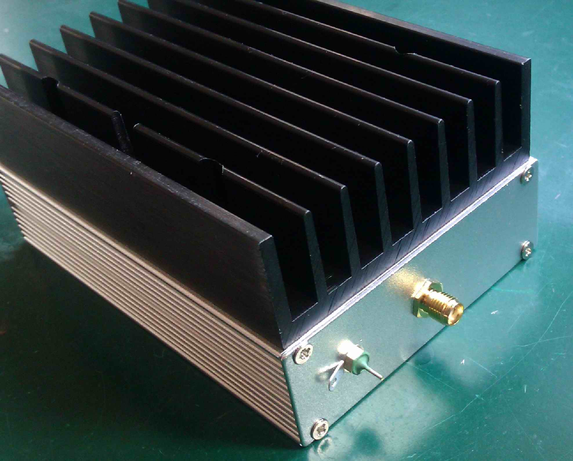 Ultra wideband RF amplifier, short wave amplifier, linear amplifier, 1MHz--130MHz, 6W, 43dBUltra wideband RF amplifier, short wave amplifier, linear amplifier, 1MHz--130MHz, 6W, 43dB