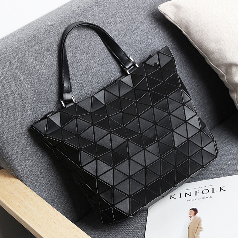 Nevenka Women Luminous Handbag Leather Shoulder Bag Women Geometric Handbags 2018 Large Tote Bag for Women Leather Crossbody Bag16