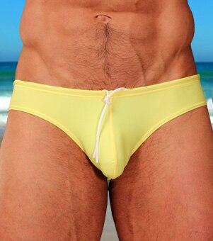 Privatus individualus BOYTHOR naujas 2018 Vyriškas kostiumas Vyras žemas juosmens geltonas trikampis plaukimo bateliai maudymosi bikini