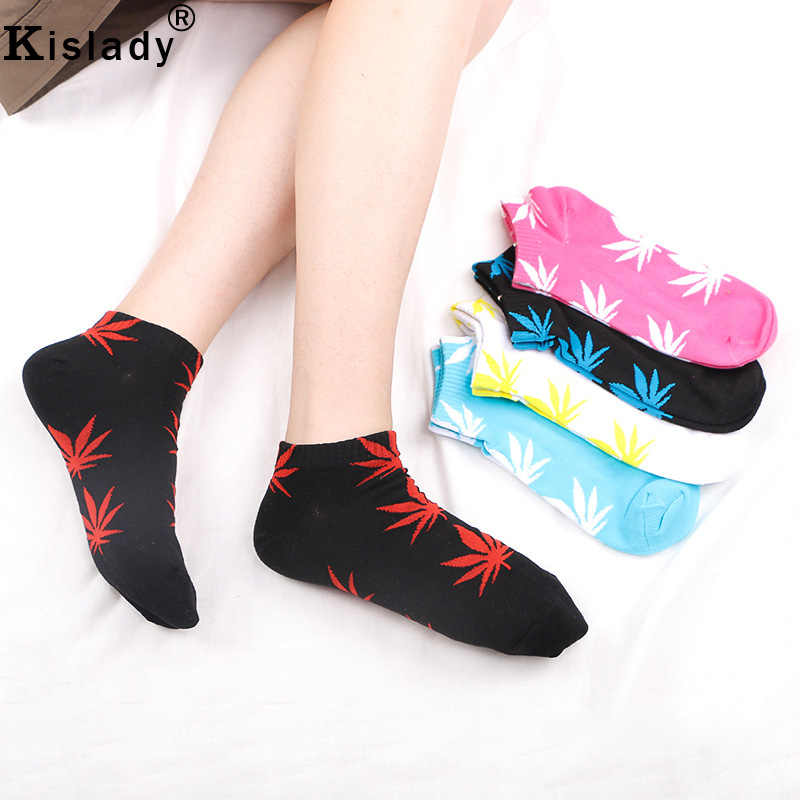 95eb070f3cc32 ... 2018 Hot Fashion Men Women s Maple Leaf Ankle Socks Cotton Low Cut  Couple Weed Socks Novelty ...