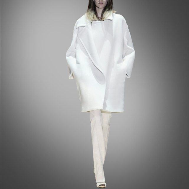 New style in the body of long wool coat white loose wool coat