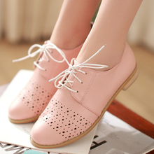 2014 New Fashion British retro carved Oxford shoes Cutout Women Sweet comfort Casual flat heel Shoes Lace up Flats Loafers shoes