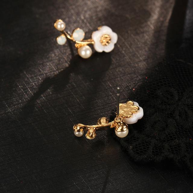 Elegant Crystal Flower Ear Cuff Earrings