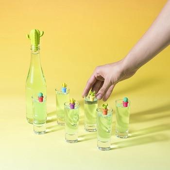 idée cadeau insolite pour amatrice de vin bouchon de vin cactus et marqueurs de verre