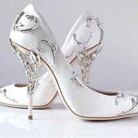 Gorgeous Flower Carving Pretty Women Shoes High Heels Black White Champagne Blue Silk Wedding Shoes Bride