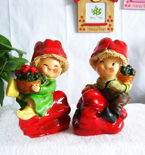 New arrival!!!Free shipping wholesale and retail handcraft painted resin decoration one pair of moppet sit on the red pepper