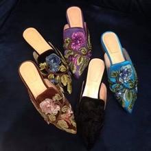 2017 New Vintage Luxury Bordeaux Velvet Slipper Women Pointed Toe Flower Embroidered Women Flats Women Velvet Muller Shoes Woman