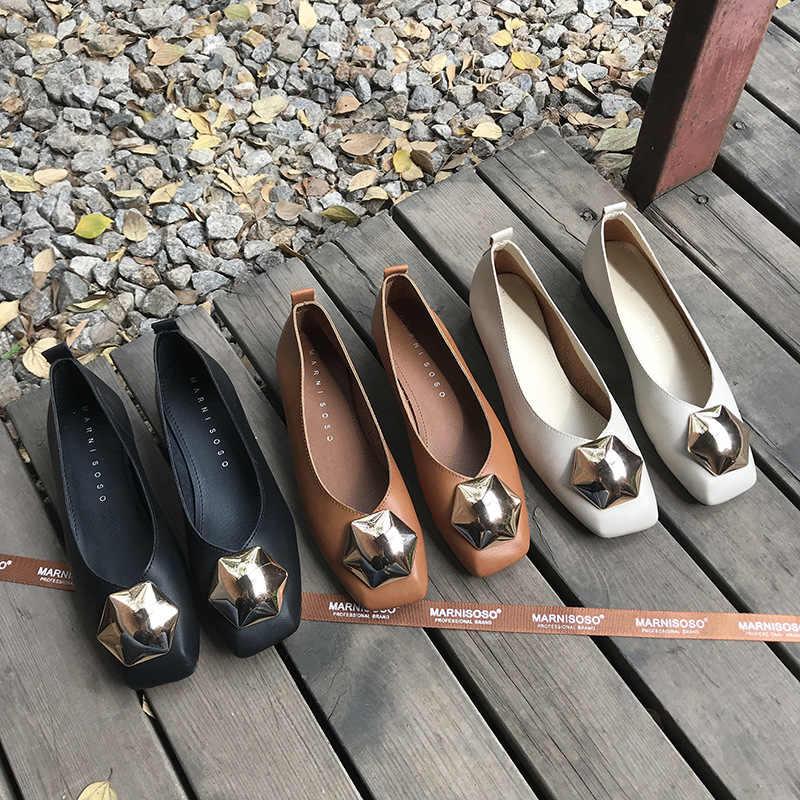 Schoenen vrouwen 2019 zomer nieuwe mode wilde vierkante kop enkele schoenen vrouwelijke platte bodem comfortabele metalen gesp vrouwen schoenen