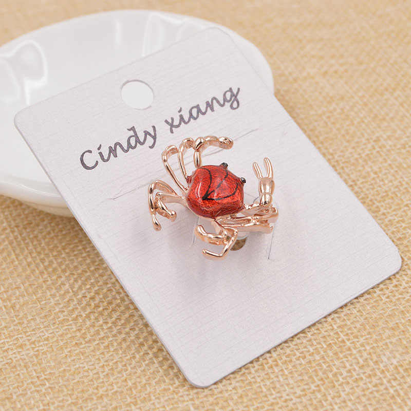 CINDY XIANG Spring Series Cute Small Fighting Crab Brooches For Women Red Enamel Brooch Pins Tiny Dress Jean's Brooch New 2017