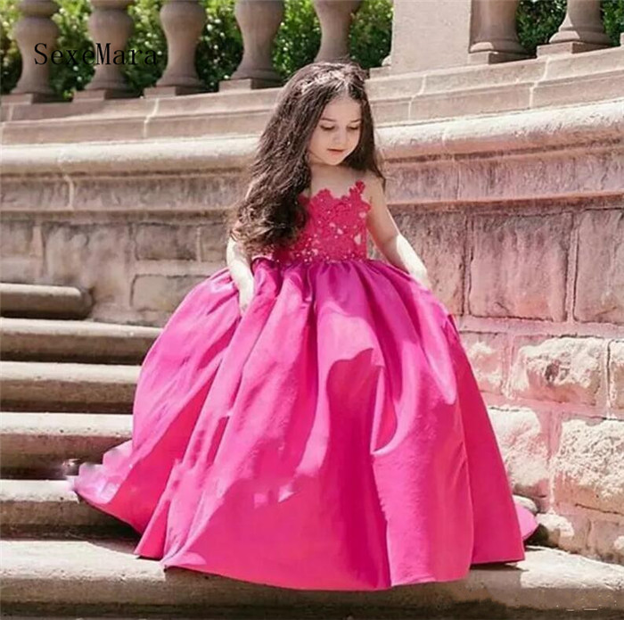 Ball Gown Flower Girls Dresses Sheer Neckline Lace Appliques Satin Girls Pageant Gowns Floor Length Kids Party Dress Custom Made