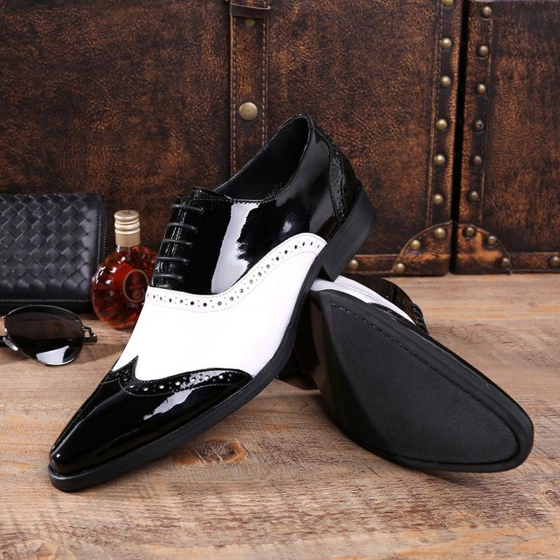 UNS 6 10 Männer Retro Patent Leder Schwarz und Weiß Brogue Schuhe Fretwork Spitz Oxfords Mann Formale Kleid schuhe-in Formelle Schuhe aus Schuhe bei  Gruppe 3