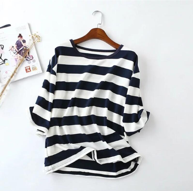Summer new T - shirt round collar short - sleeved casual horizontal stripes T-shirt women.