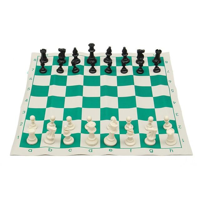 Ensemble d'échiquier traditionnel d'échecs portatif de voyage pour le Club de tournoi avec le conseil enroulable vert + le jeu d'échecs de sac en plastique 2