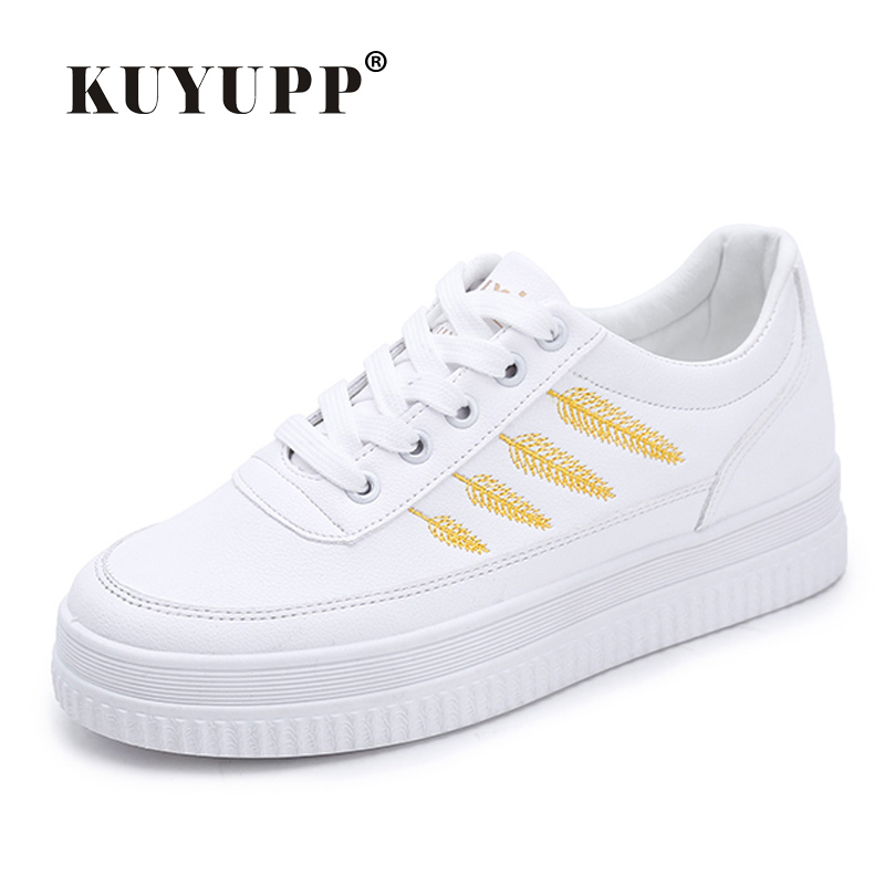KUYUPP Shoes Woman Casual Leather Platform Shoes Flats Spring Creepers Flat Shoes Women Curt Ladies Shoes Zapatos Mujer BT724 pinsen women flat platform shoes woman moccasin zapatos mujer platform sandals slip on for ladies shoes casual flats moccasins