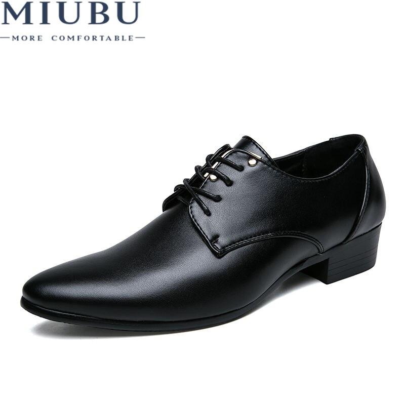 MIUBU 2019 Men Dress Shoes Pointed Toe Leather Men Formal Shoes Breathable Elegant Derby Shoes Black Men Business Shoes
