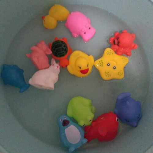 เป็ดเด็กอ่อน Squeaky Pool Float สำหรับเด็กน้ำยางสีเหลืองเป็ด Squeeze - sounding Dabbling น้ำ Bath อ่างอาบน้ำของเล่น