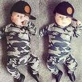 Мода камуфляж дети мальчики одежда набор осени малышей одежда 2 шт. черный майка + брюки мальчик спортивный костюм отдыха одежда